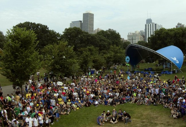 pokemon_go_fest_2018_group_picture_of_all_attendees_in_chicago_illinois