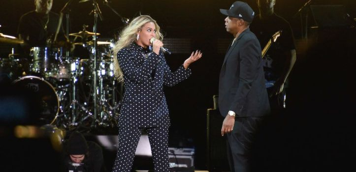 fan-attacks-beyonce-jay-z-on-stage-atlanta-concert-video-