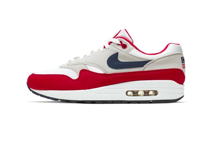 https___hypebeast.com_image_2019_06_nike-air-max-1-fourth-of-july-release-info-cj4283-100-001.jpg