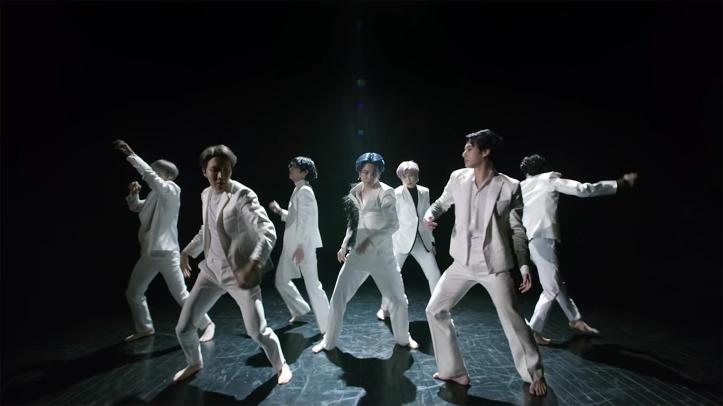 BTS-video-black-swans